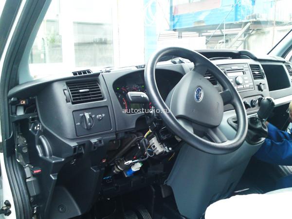 Объем двигателя - 2,2 D. Электропроводка Ford Transit, 2009 года выпуска.  На автомобиль было установлено следующее...